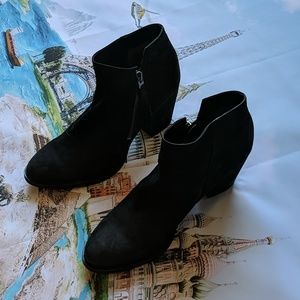 Sam Edelman black suede booties size 10